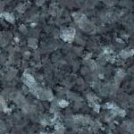 Isorakeinen siniharmaa labradoriitti. Välkehtivät kiteet tekevät kivestä juhlavan. Ominaispiirteenä esiintyy pieniä mustia läiskiä. Louhintapaikka Norja.