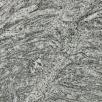 """Silver Cloud on hienostuneen harmaan sävyinen, eläväpintainen migmatiitti. Kivi on graniitteja huokoisempi ja """"pehmeämpi"""" pinta suojakäsitellään tehtaalla ennen käyttöönottoa. Kivessä saattaa esiintyä ruskehtavaa kuviointia. Louhintapaikka Pohjois-Amerikka."""