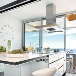 Blanco Zeus on puhtaan valkoinen kvartsimateriaali, jonka avulla keittiöön saadaan raikas moderni ilme.